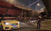 载着187吨货车的高架桥侧塌,轿车瞬间截断:压翻大桥的是人性贪婪吗?