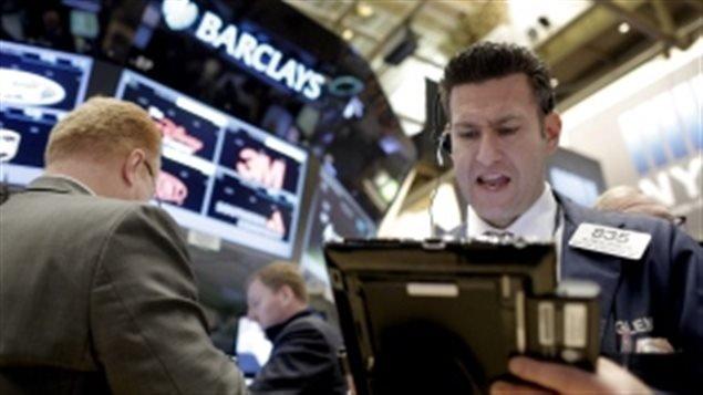 股市暴跌 专家无计可施只能劝大家冷静