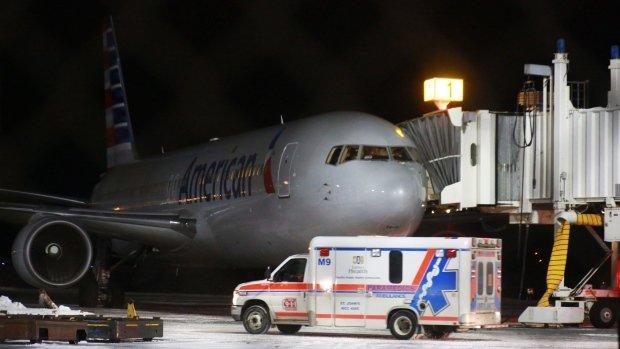 又一飞机航班遇气流颠簸致7伤 紧急迫降加拿大