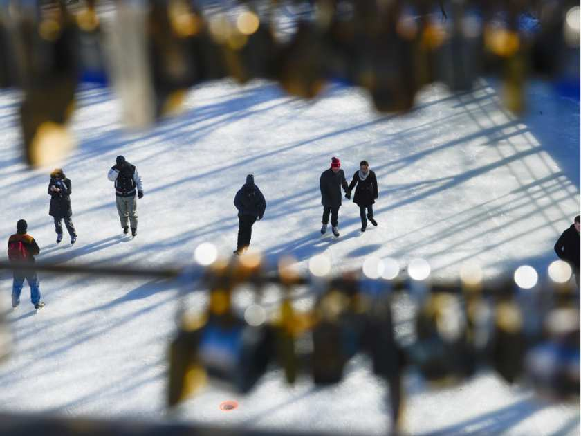skaters-enjoy-the-opening-day-of-the-rideau-canal-skateway-o
