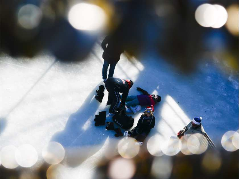 skaters-enjoy-the-opening-day-of-the-rideau-canal-skateway-o1
