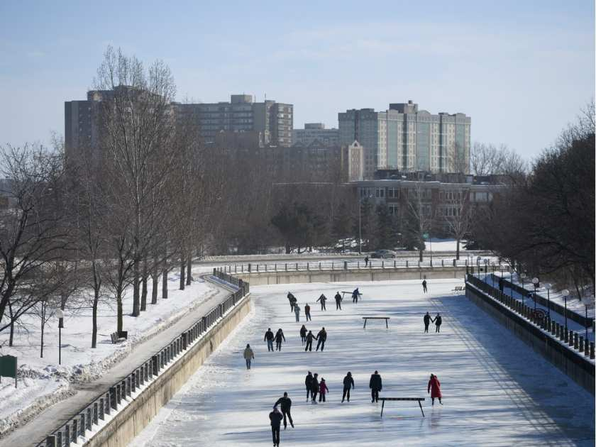 skaters-enjoy-the-opening-day-of-the-rideau-canal-skateway-o3