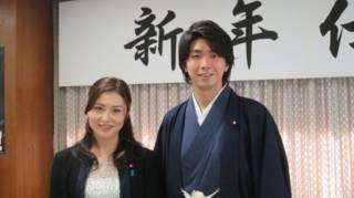 日本提倡男性休产假议员承认有外遇辞职
