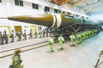 中国火箭军王牌旅亮相 曾数日连射全型号导弹