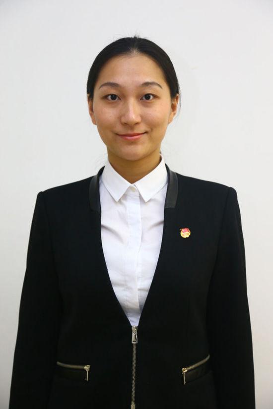 29岁女孩兼职上海团市委副书记:不只是开会表决