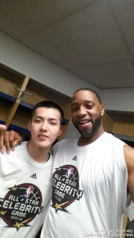 吴亦凡NBA明星赛表现不俗 麦蒂晒合照称赞