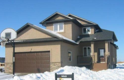老移民:加拿大家家住两三百平 住房比美国优越