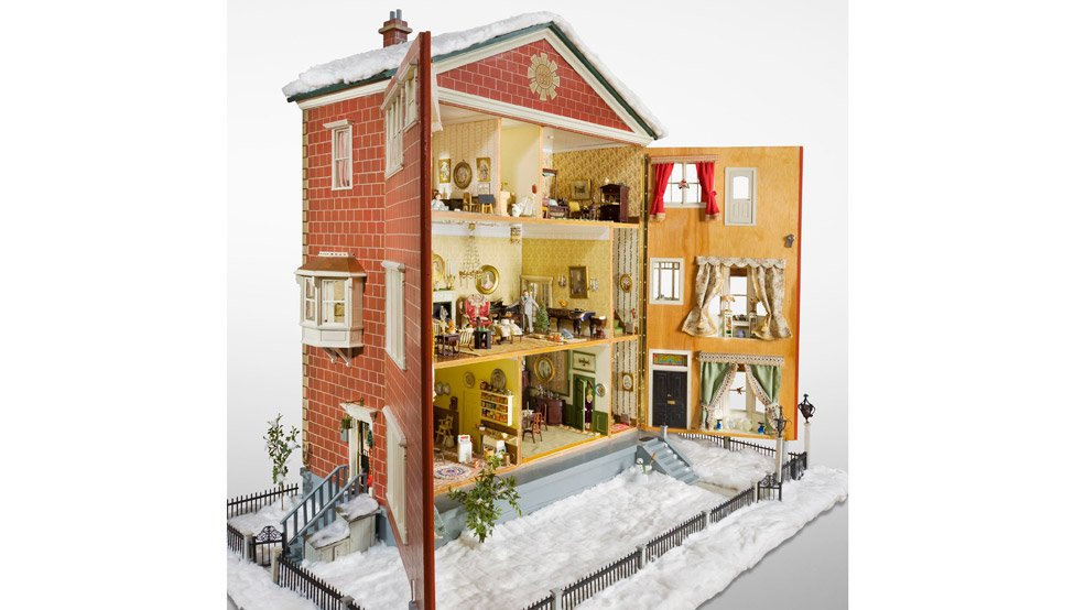 Forster-dollhouse-Canadian-Children's-Museum-credit-Canadian-Museum-of-History