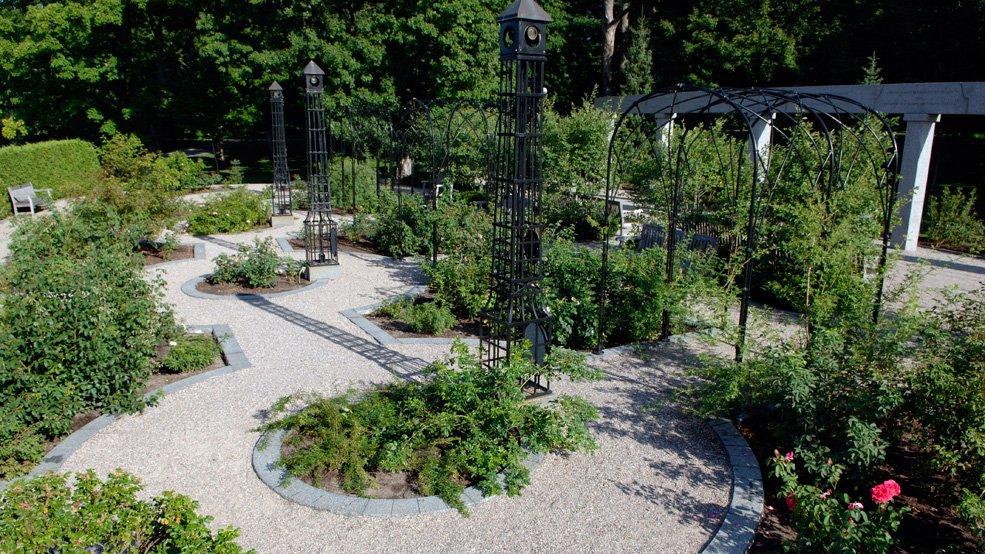 Rideau-Hall-gardens