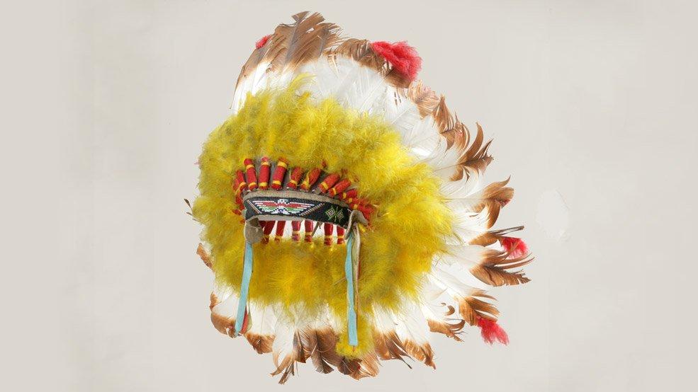 Supreme-Chief-of-North-America-Headdress-credit-Canadian-War-Museum