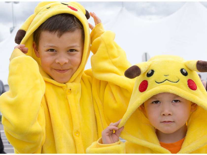 william-7-and-mathieu-marchand-4-dressed-as-pikachu-as-o