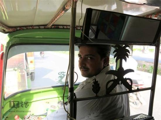 新姿势:巴基斯坦一家专车公司用短信打车