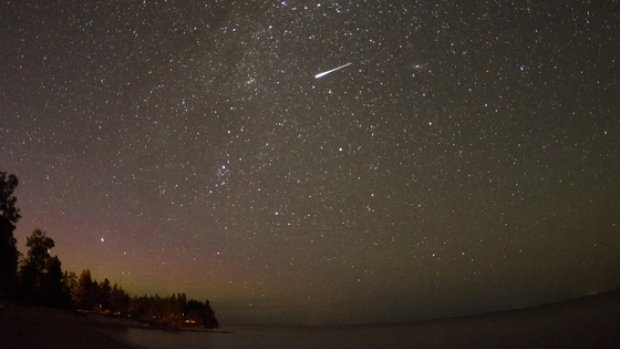 perseid-meteor-from-north-of-gimli-manitoba