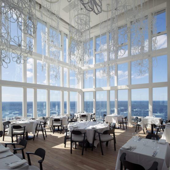 make-sure-credit-fogoisland_interiors_6465b_alexfradkin_original-555x556