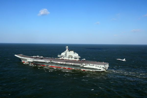 法媒:2049年中国军队将成为世界第一