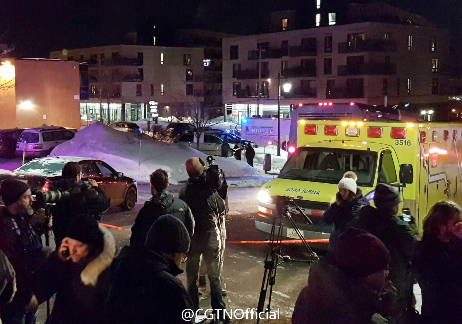 加拿大:蒙面枪手持AK-47闯清真寺射击 已致6死