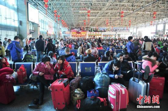 中国交通运输部:春运迎来最后一波返程客流高峰