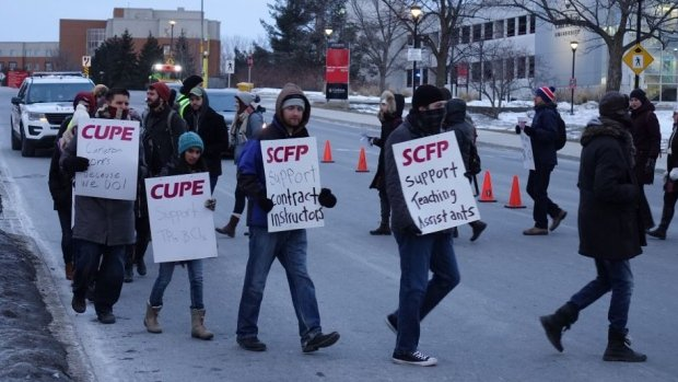 cupe-4600-strike-monday-morning-carleton-university-march-6-2017