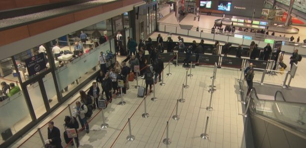 ottawa-international-airport-security-line-taken-from-archives