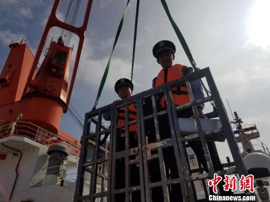 """""""雪龙号""""第8次北极科考开辟新通道 抵达长江口"""