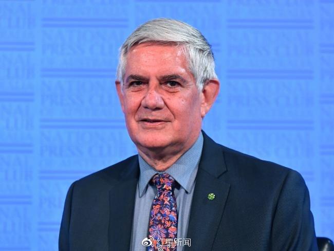 """约一半人将活过100岁 澳部长提议推行""""间隔年""""制度"""