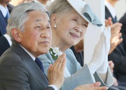 日本天皇定于2019年3月底退位 平成年号将告终结