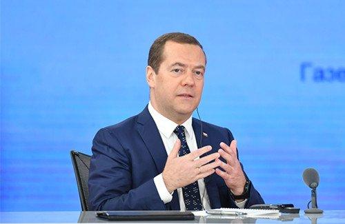 梅德韦杰夫:俄罗斯专门为中国游客准备优惠政策