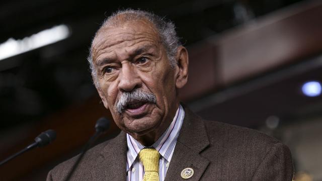 88岁被多女子指控性骚扰 美国元老议员宣布辞职