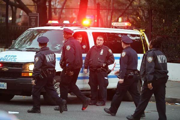 """纽约恐袭致8人丧生 """"独狼""""频现谁之过?"""