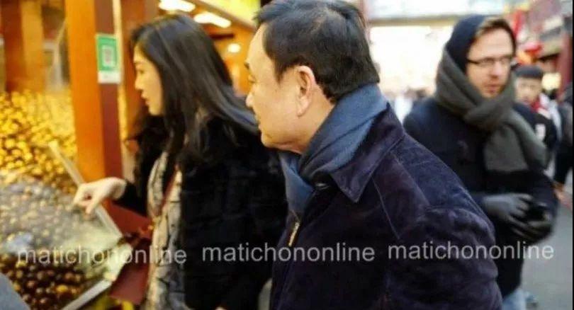 刚在北京买完栗子,英拉兄妹又转身去了日本
