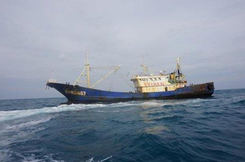 """韩国又扣押1艘中国渔船 称其使用""""特殊墨水"""""""